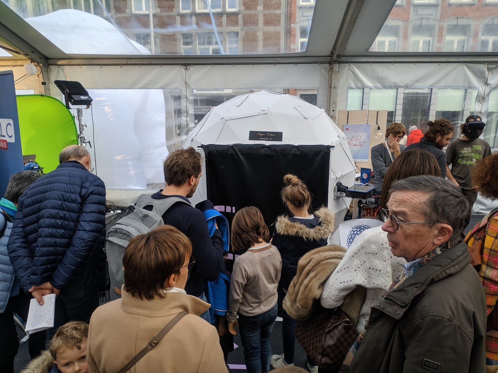 Personal Cardboard Dome Screen